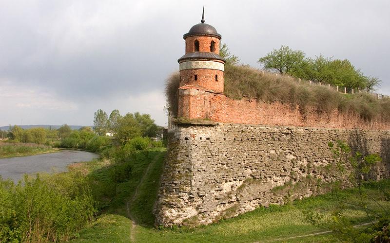 zhemchuzhiny-volyni-tonnel-lyubvi