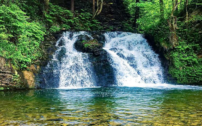 trostyan-vodopad-gurkalo-kozya-ferma