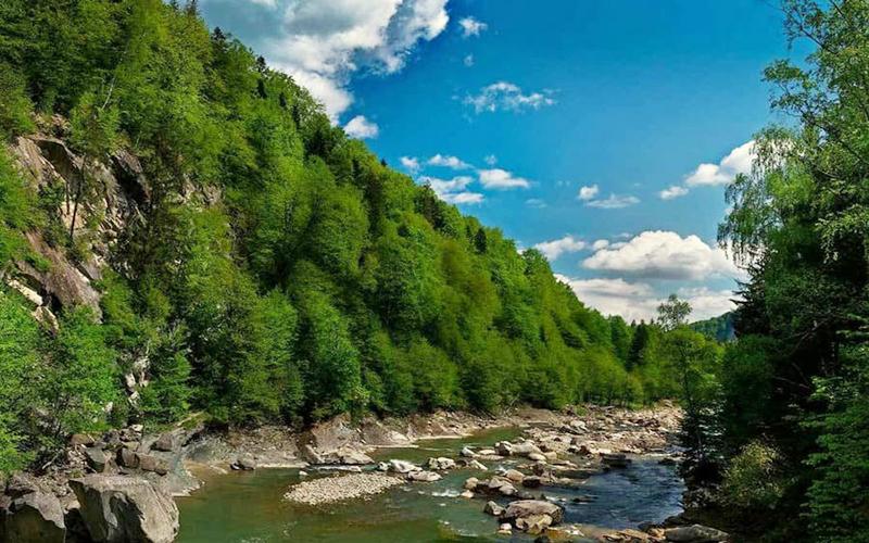 pohod-na-goru-homyak-vodopad-zheneczkij-guk